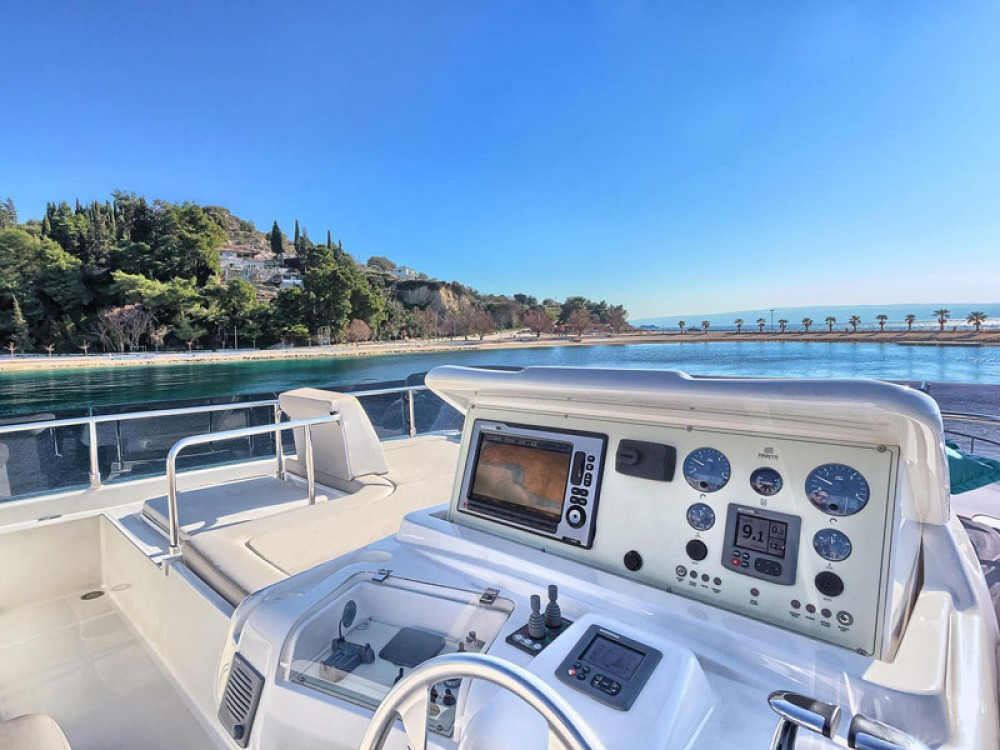 Yacht for rent Marina Kaštela at the best price