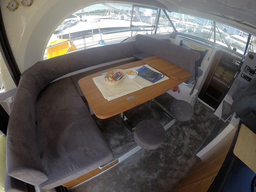 Rental Motor boat in Šibenik - Marex Marex 375