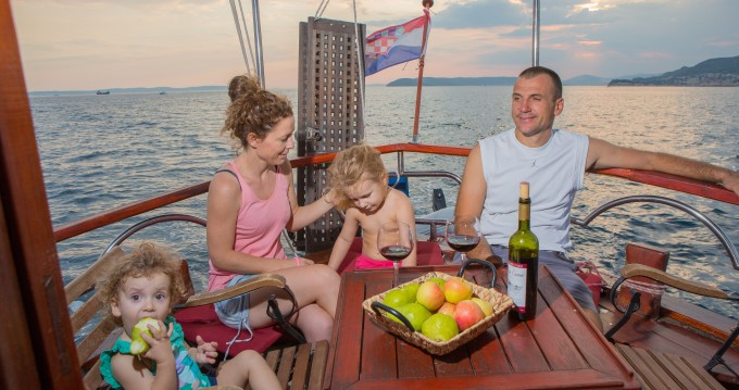 Rental Motorboat in Split -  Classsic dalmatian boat