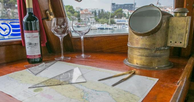 Classsic dalmatian boat between personal and professional Split