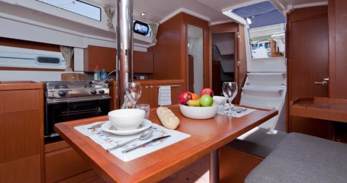 Rental yacht Barcelona - Bénéteau Oceanis 38 on SamBoat