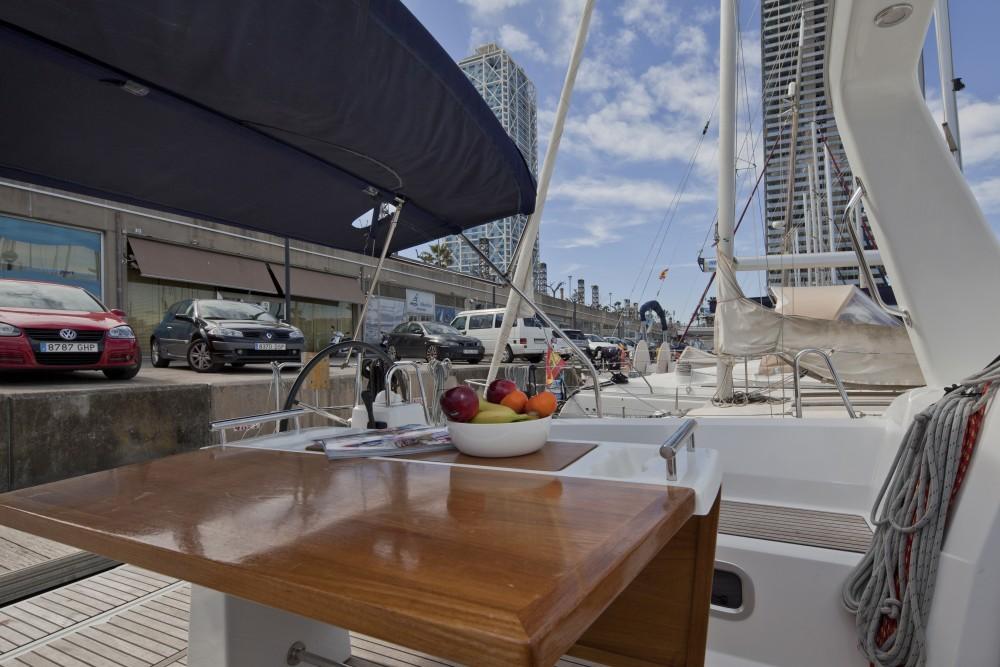 Rental yacht Port Olímpic - Bénéteau Oceanis 35.1 on SamBoat