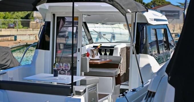 Boat rental Zadar cheap Merry Fisher 795