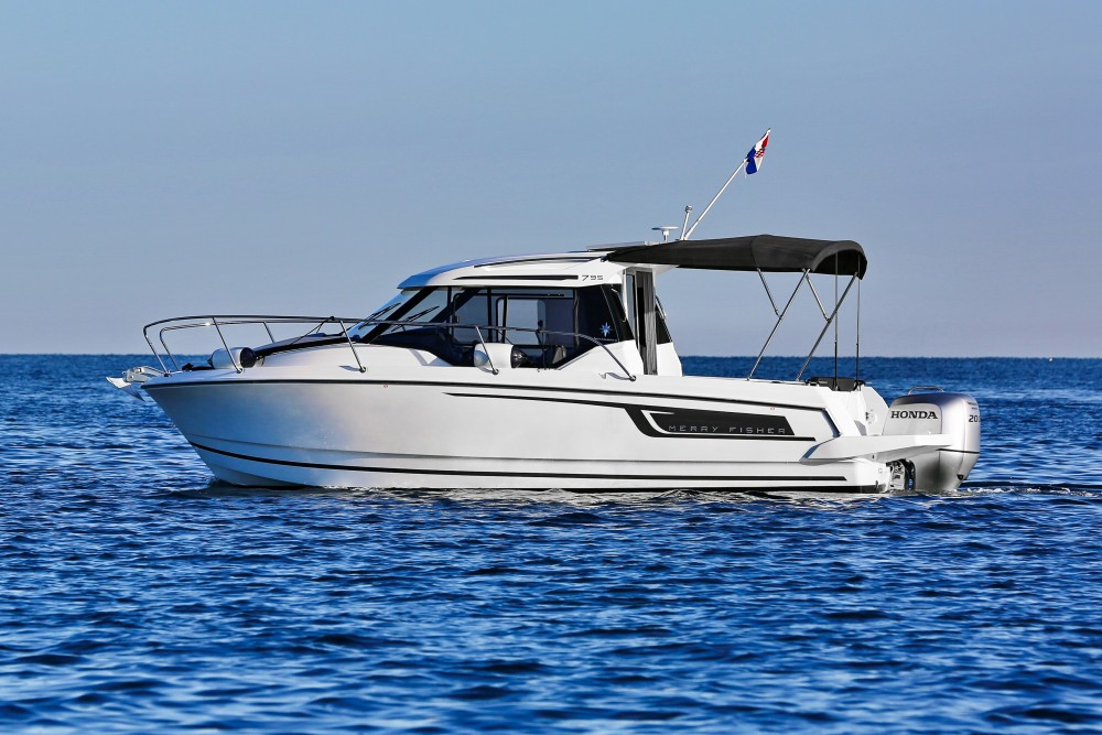 Rental Motorboat in  - Jeanneau Merry Fisher 795