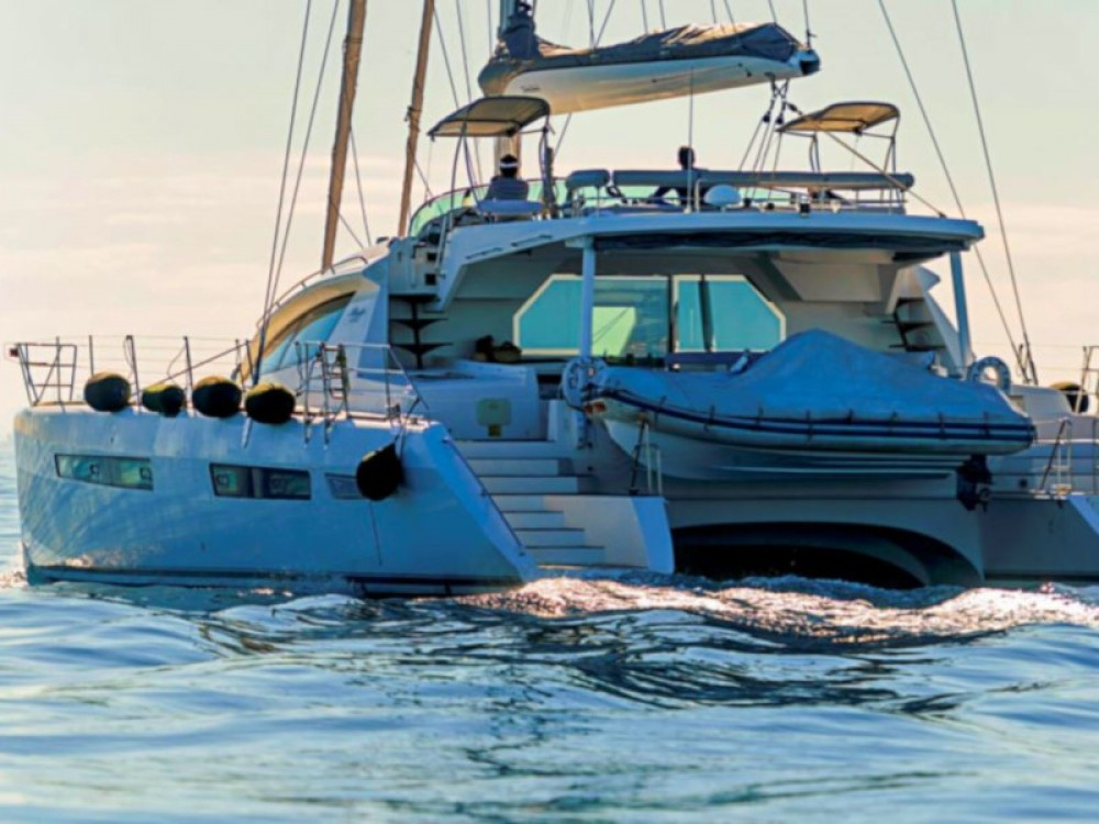 Hire Catamaran with or without skipper Alliaura Islas Baleares