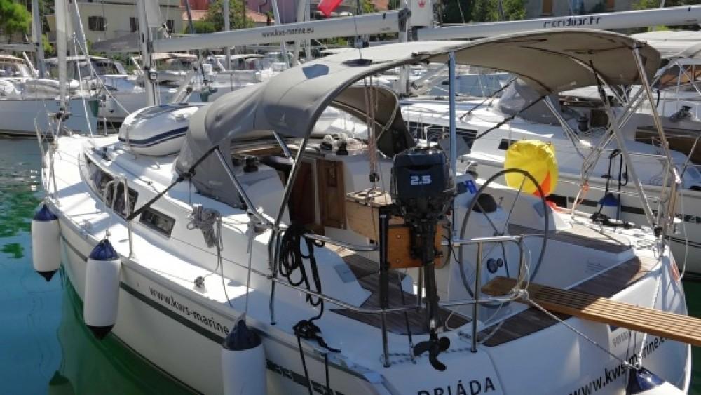 Rental Sailboat in Grad Zadar - Bavaria Bavaria Cruiser 33