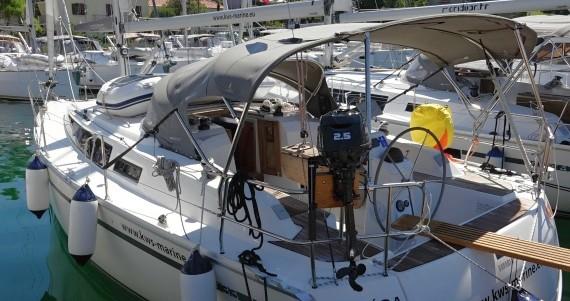 Boat rental Bavaria Cruiser 33 in Zadar on Samboat