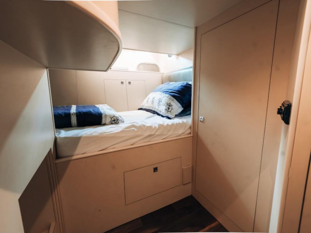 Rental Yacht in Seget Donji -  Elegance 60 Fly