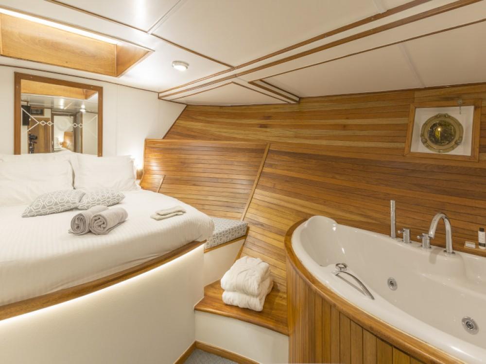 Boat rental Alimos Marina cheap Gulet