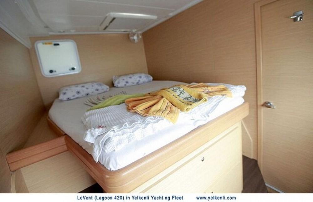 Boat rental Lagoon Lagoon 420 in Muğla on Samboat