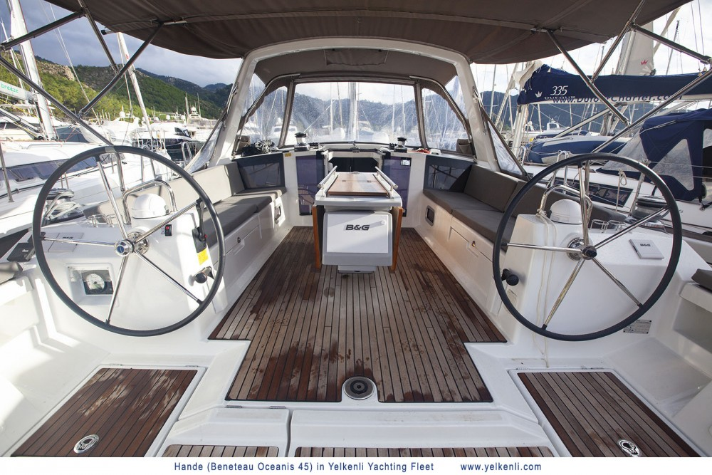 Bénéteau Oceanis 45 (2018) between personal and professional Orhaniye