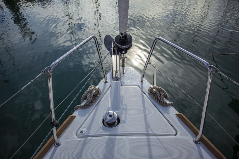 Boat rental Bénéteau Oceanis 38.1 in Trogir on Samboat