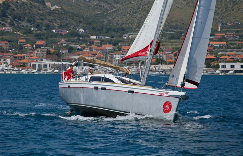 Rental Sailboat Chantier Allures Yachting with a permit