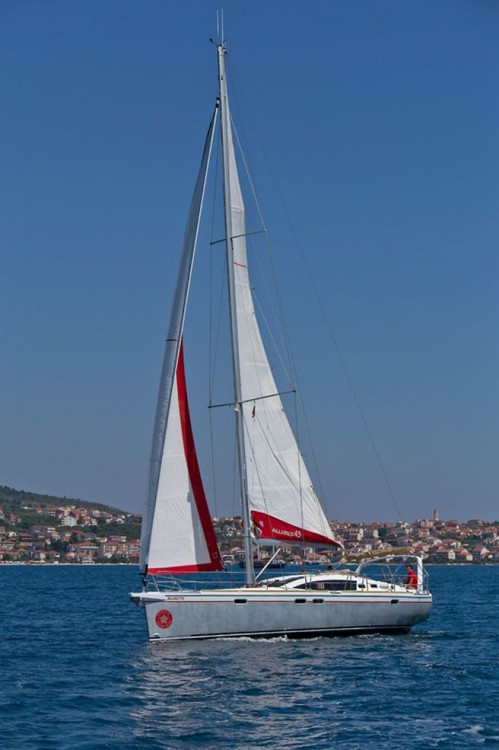 Chantier Allures Yachting Allures 45 O.V. between personal and professional Traù