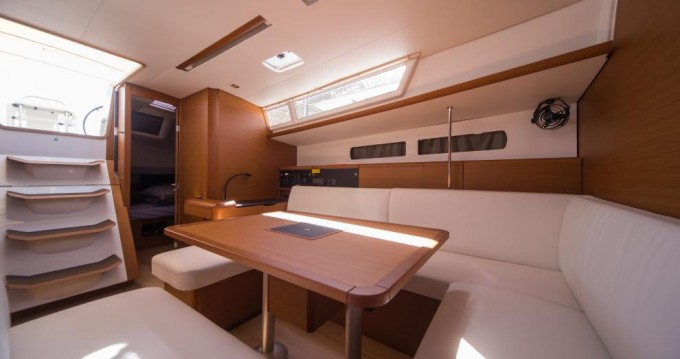 Jeanneau Sun Odyssey 479 between personal and professional Trogir