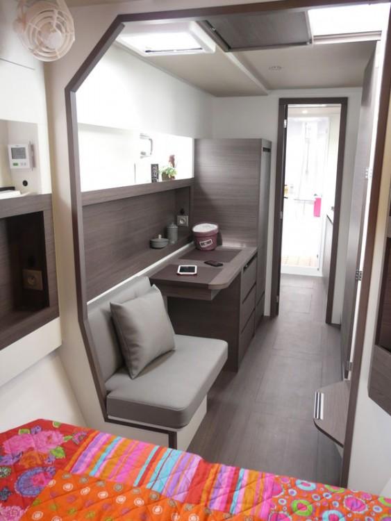 Rental yacht Saint-Mandrier-sur-Mer - NAUTITECH CATAMARANS Nautitech Open 40 on SamBoat