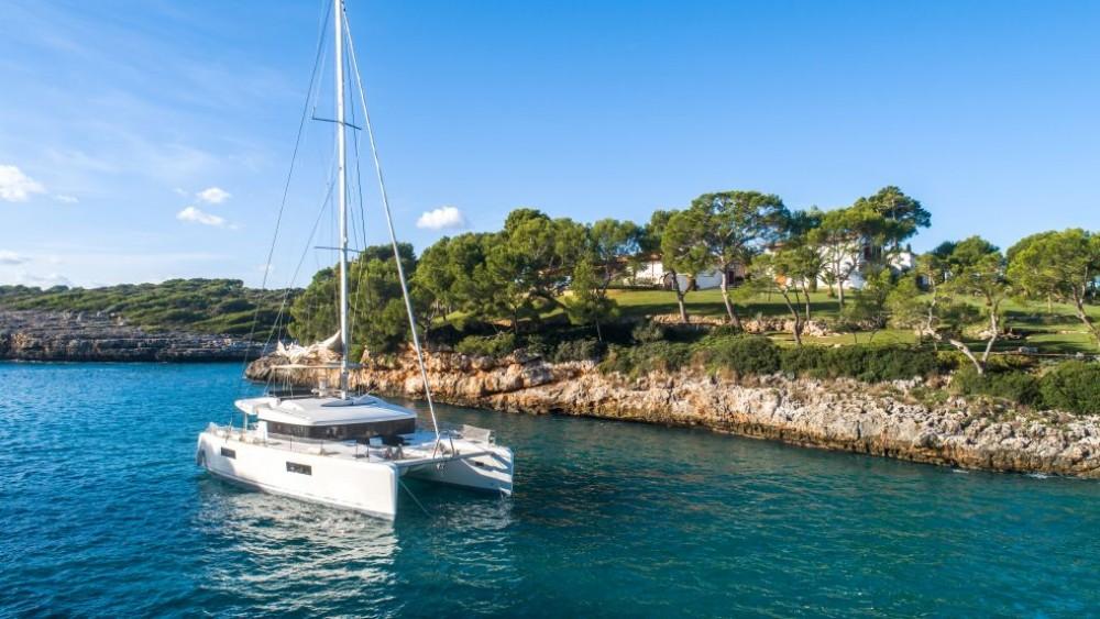 Boat rental Dubrovnik cheap Lagoon 52