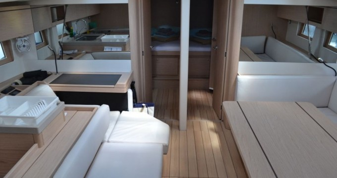 Rental Sailboat in Traù - Bénéteau Oceanis 51.1