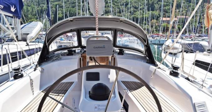 Rental yacht Dubrovnik - Bavaria Bavaria 34 Cruiser on SamBoat