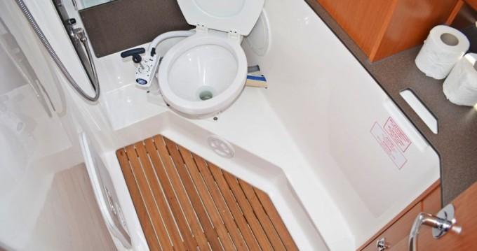 Rent a Bavaria Bavaria 34 Cruiser Dubrovnik