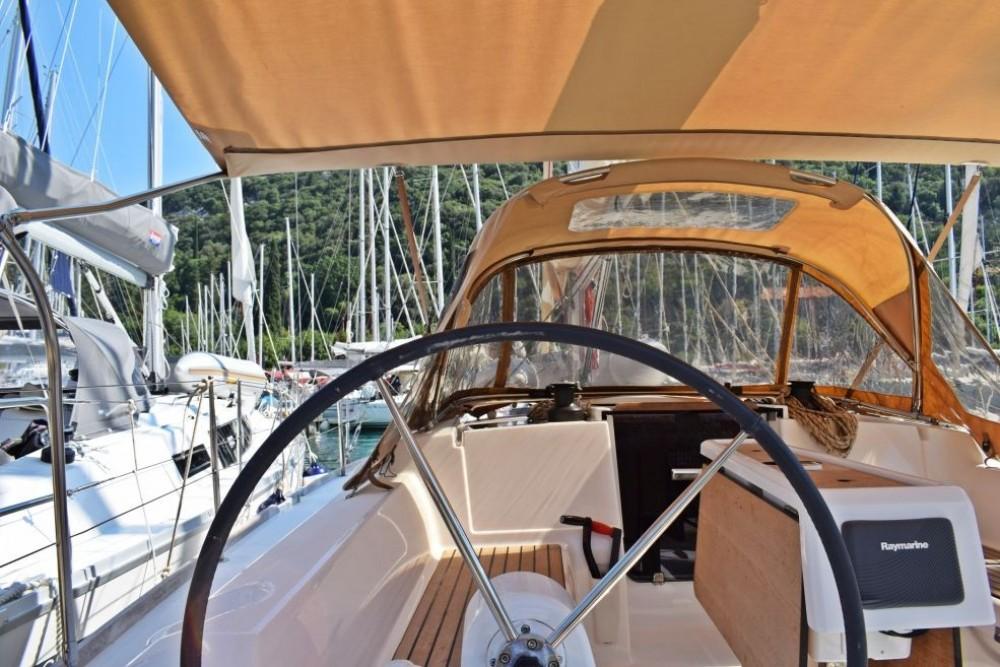 Boat rental Dufour Dufour 350 Adventure in Dubrovnik on Samboat