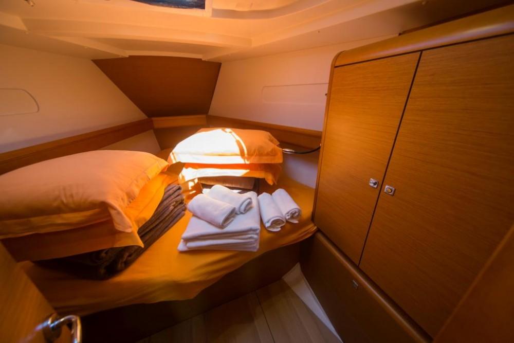Rental Sailboat in Trogir - Jeanneau Sun Odyssey 449