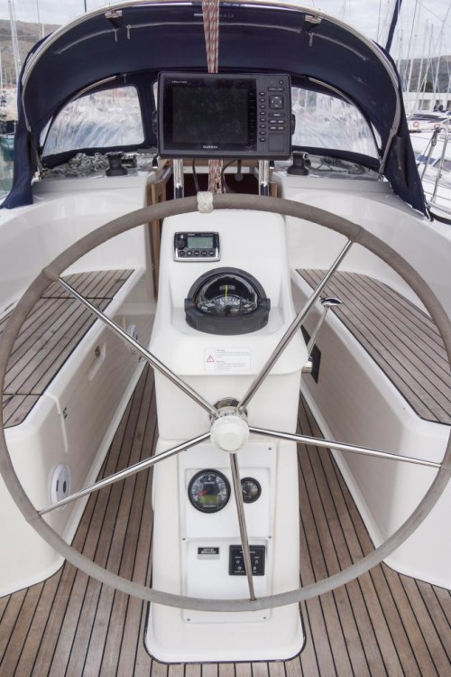 Hire Sailboat with or without skipper Bavaria Traù