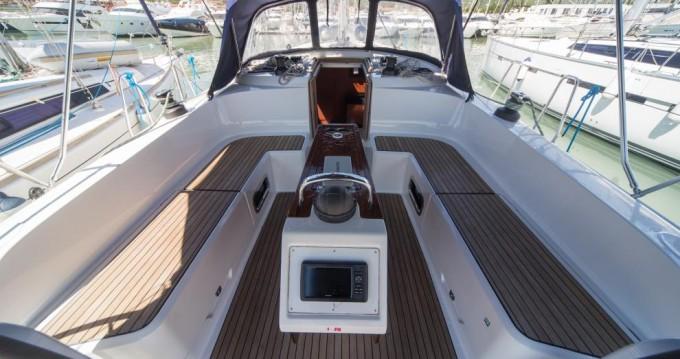 Boat rental Bavaria Bavaria Cruiser 46 in Traù on Samboat