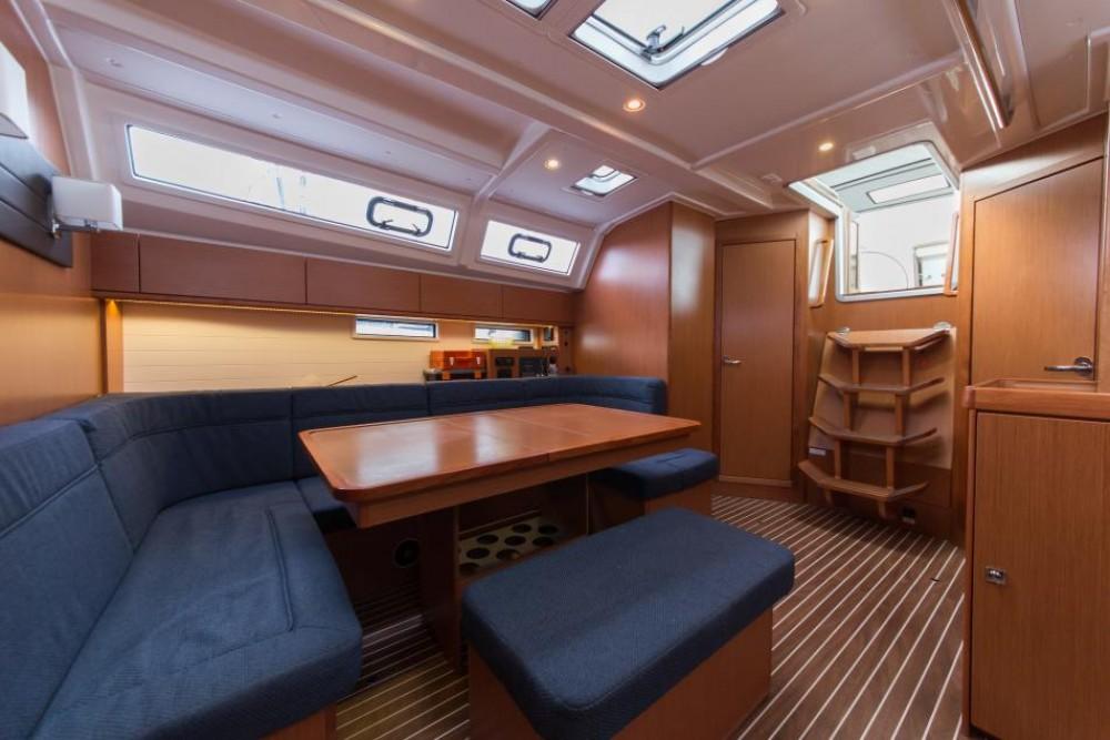 Boat rental Bavaria Bavaria 46 Cruiser in Trogir on Samboat