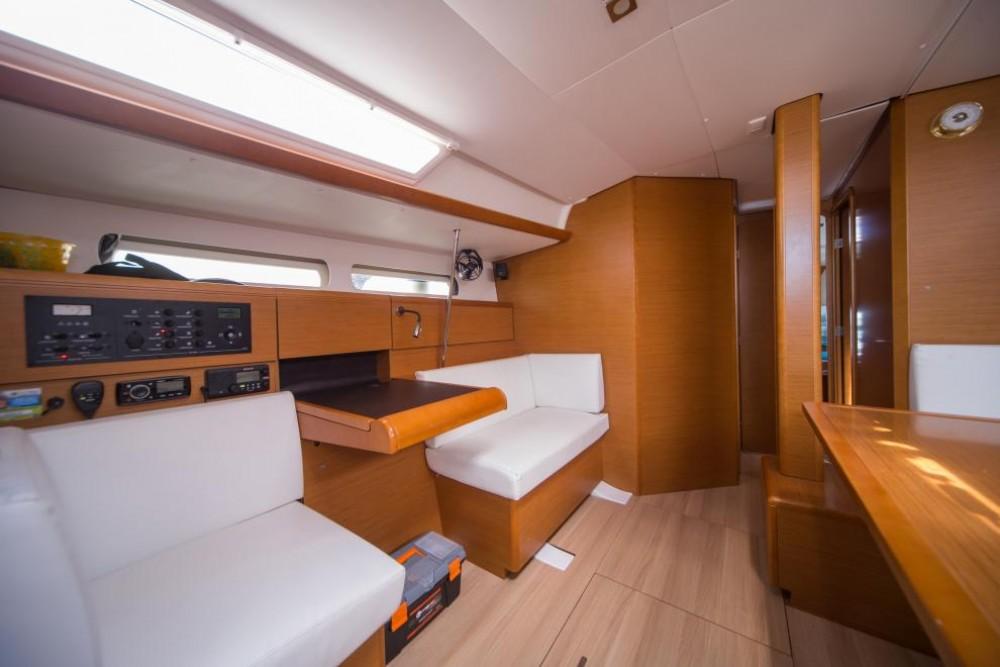 Boat rental Jeanneau Sun Odyssey 449 in Olbia on Samboat