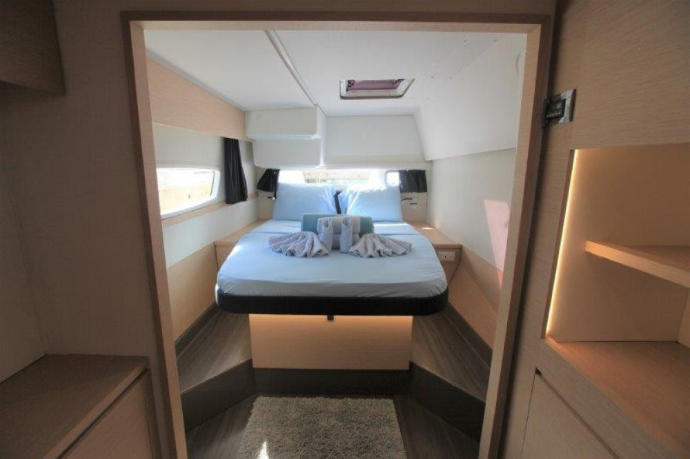 Rent a Fountaine Pajot Helia 44 Road Town