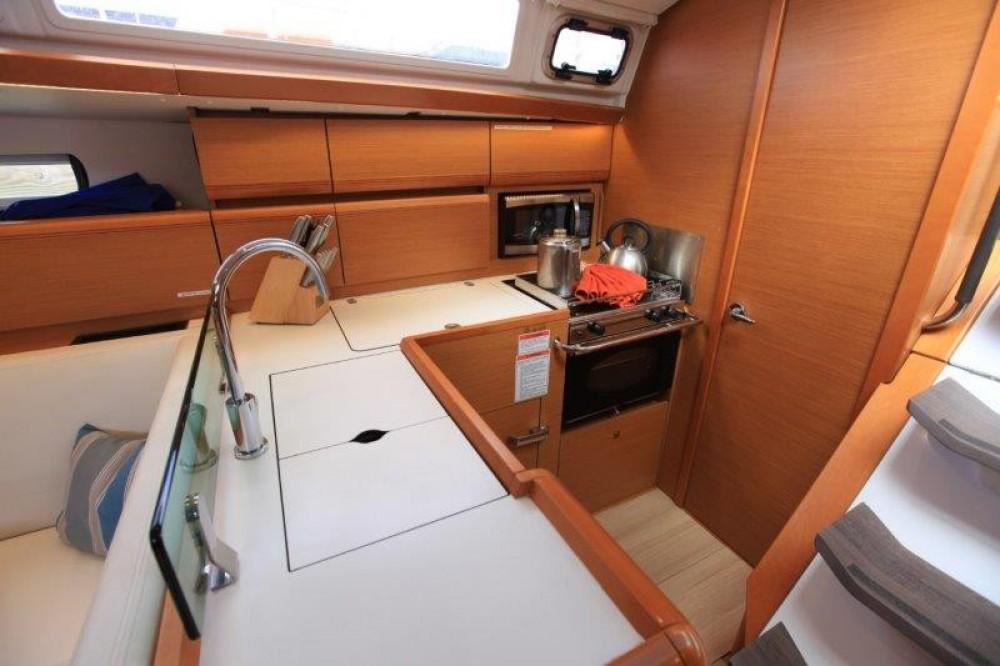 Rental yacht Road Town - Jeanneau Sun Odyssey 419 on SamBoat