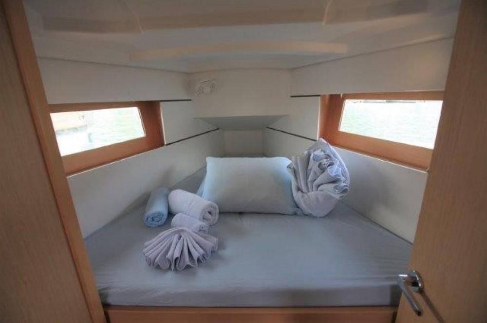 Rental yacht Road Town - Bénéteau Oceanis 350 on SamBoat