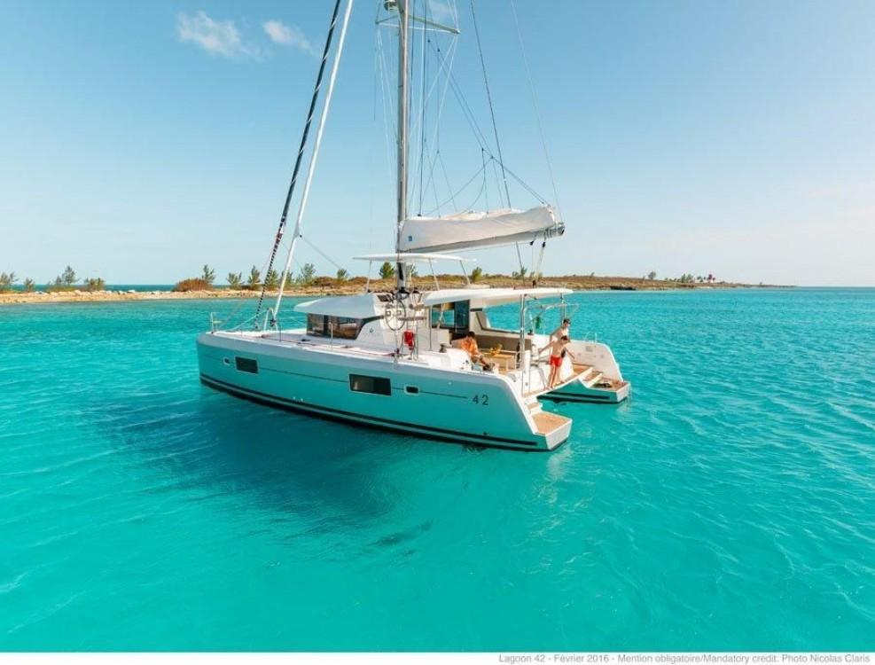 Rental Catamaran in Road Town - Lagoon Catamaran Lagoon 420