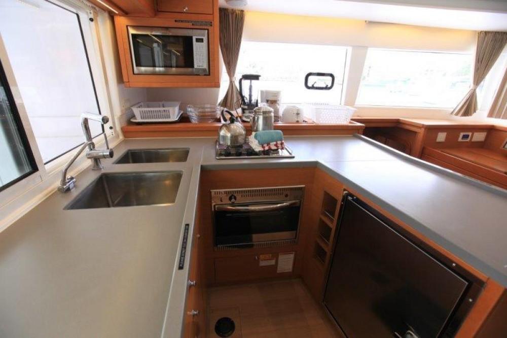 Rental Catamaran in Road Town -  Lagoon 450