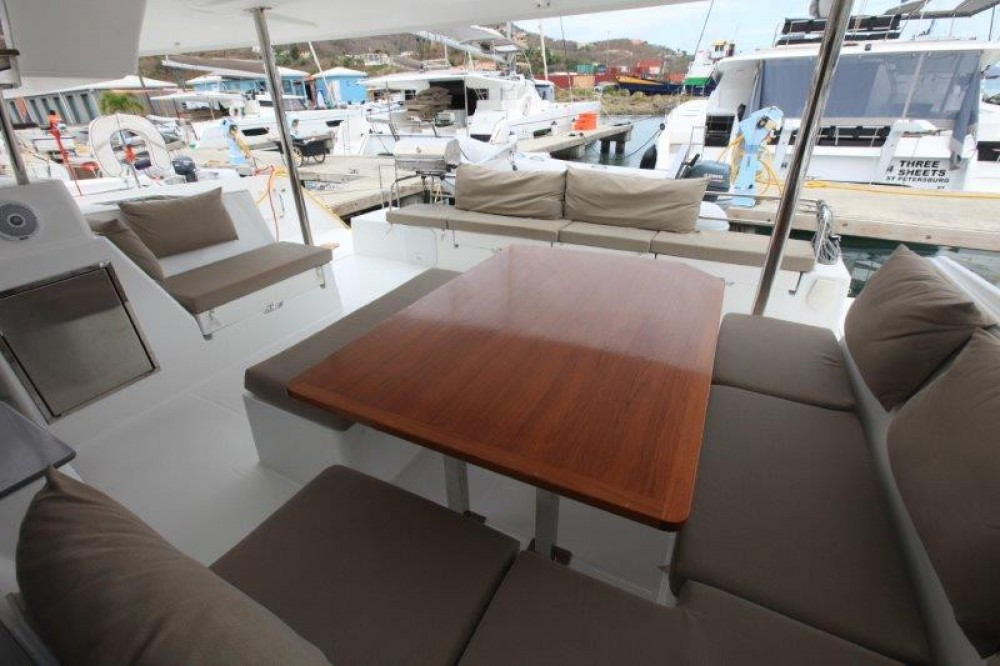 Boat rental Road Town cheap Saba 50