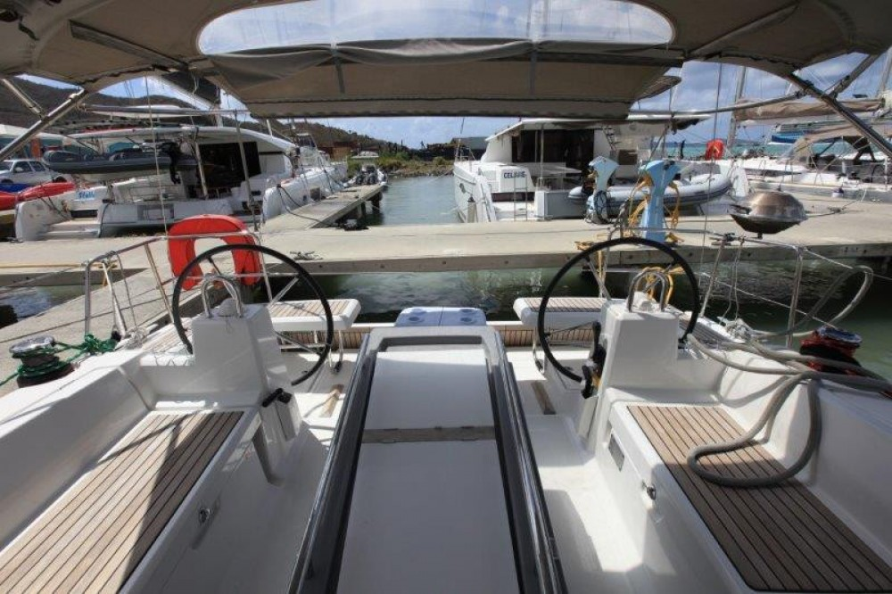 Boat rental Road Town cheap Oceanis 41