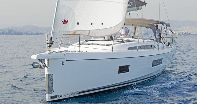 Oceanis 51.1 between personal and professional Municipal Unit of Apollonioi