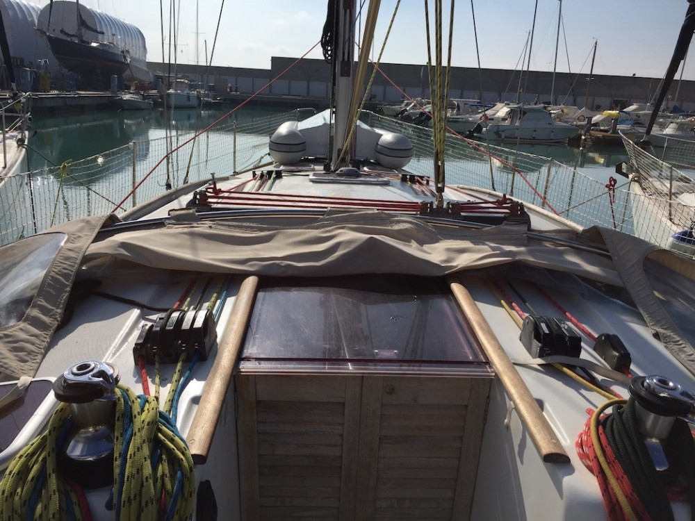 Boat rental Bénéteau Oceanis 43 in Olbia on Samboat