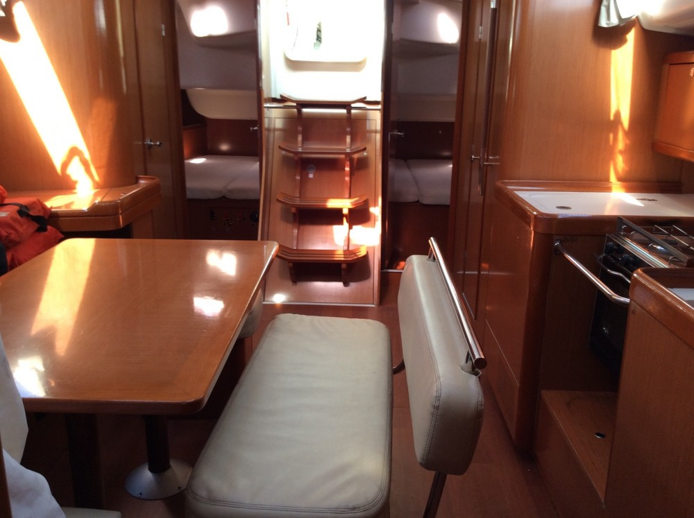 Bénéteau Oceanis 43 between personal and professional Olbia