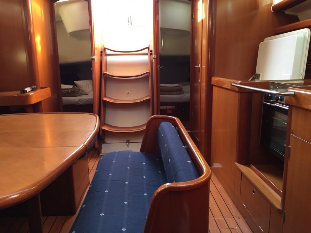 Rental yacht Sardinia - Bénéteau Oceanis 423 on SamBoat