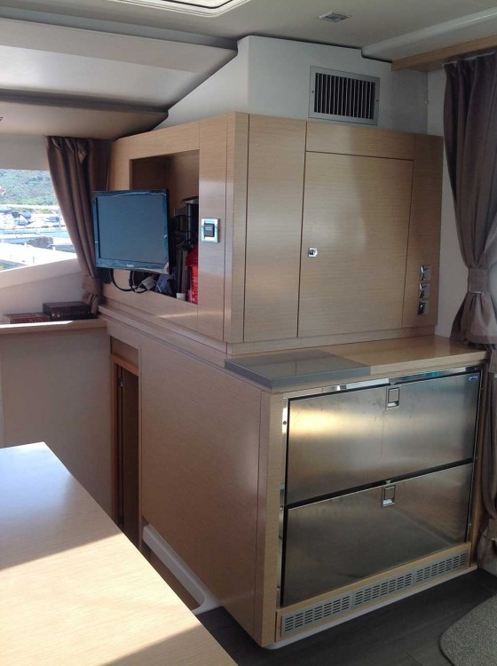 Boat rental Fountaine Pajot Helia 44 in  on Samboat