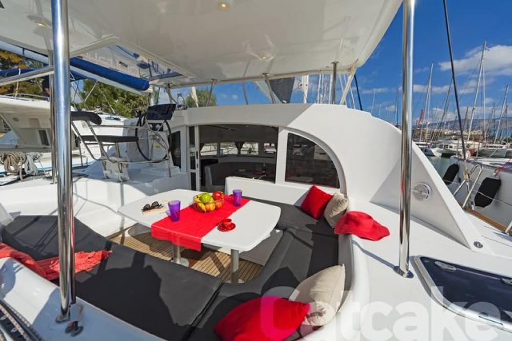 Boat rental Athens cheap Lagoon 380