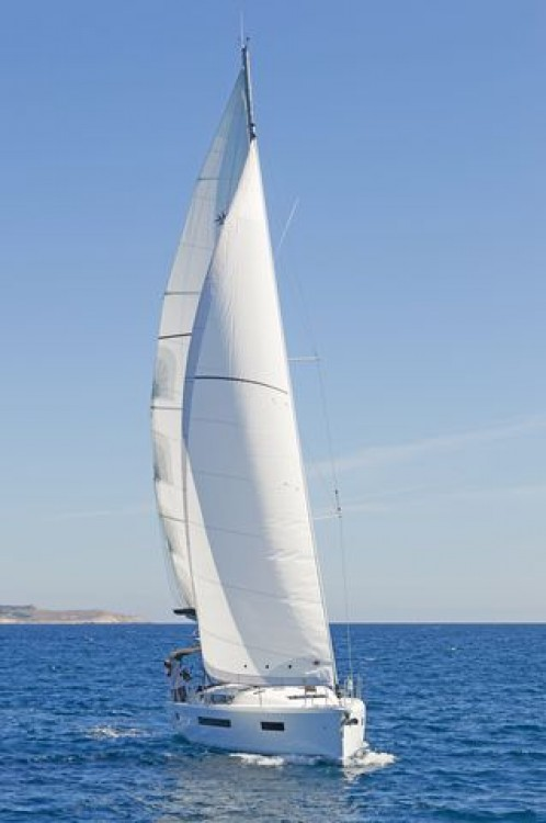 Sun Odyssey 490 between personal and professional Aegean