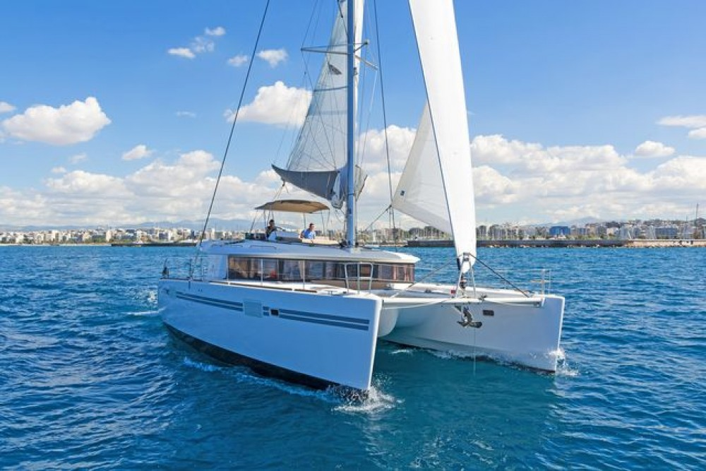Lagoon 450 F between personal and professional Laurium