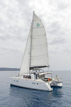 Boat rental Λαύριο cheap Lagoon 400 S2
