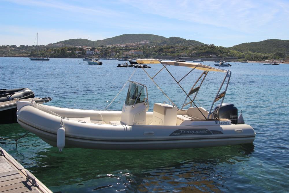 Boat rental Capelli Tempest 626 in  on Samboat