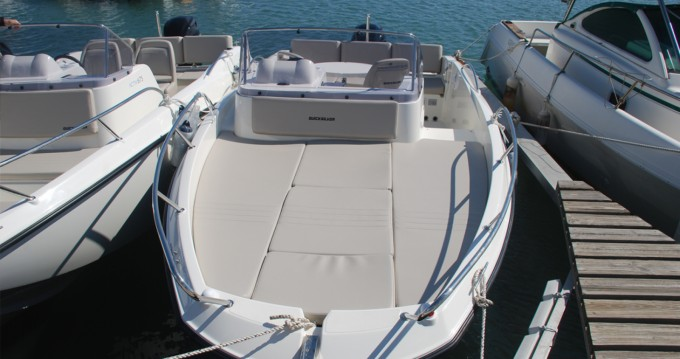 Hire Motorboat with or without skipper Quicksilver Saint-Raphaël