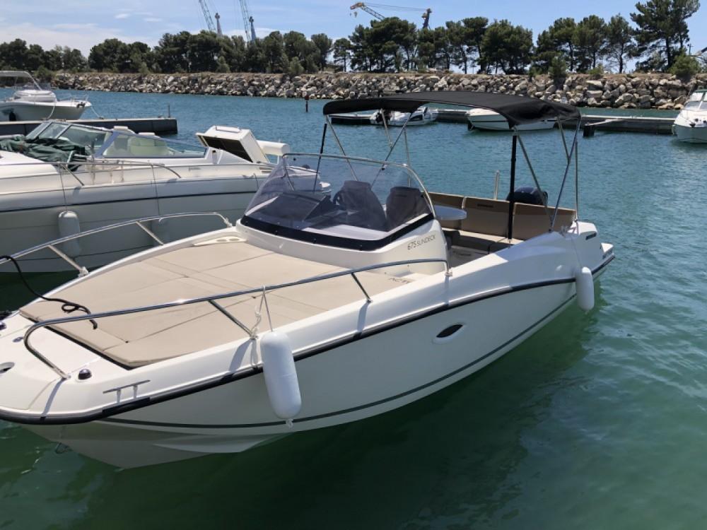 Rental Motor boat in Saint-Raphaël - Quicksilver Activ 675 Sundeck