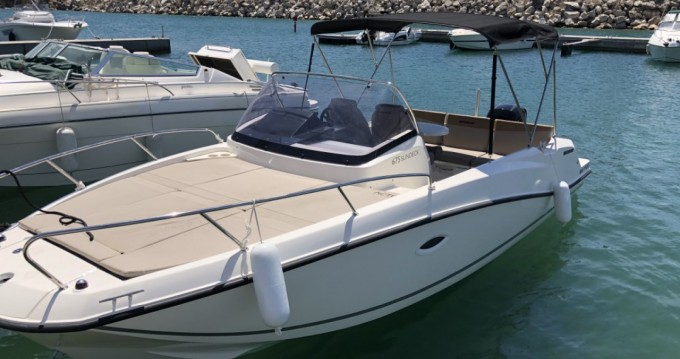 Boat rental Saint-Raphaël cheap Activ 675 Sundeck